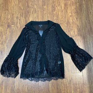 Black lace bell sleeve blouse NWT size large